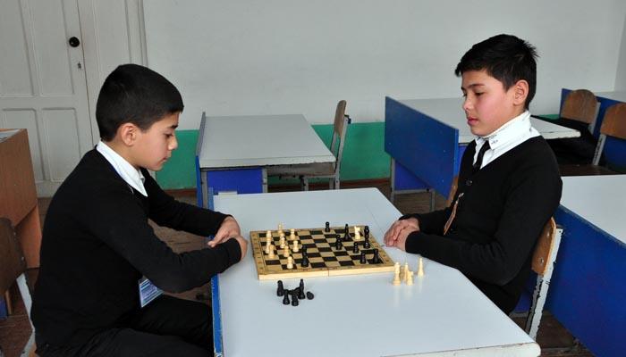 Мактаб-интернатида шахмат мусобақалари (2)